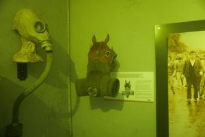Výstava Bunk'Art v bývalém protiatomovém krytu, Tirana, Albánie