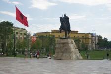 Socha Skanderbega v centru Tirany, Albánie