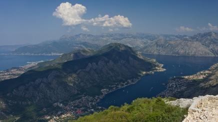 Výhled na kotorský záliv z NP Lovcen, Černá Hora