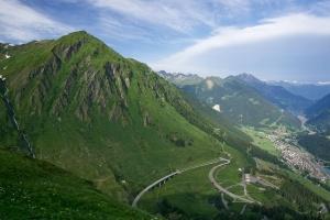 San Gothard Pass, pohled na Airolo