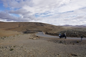 Jenom my, motorka a hory